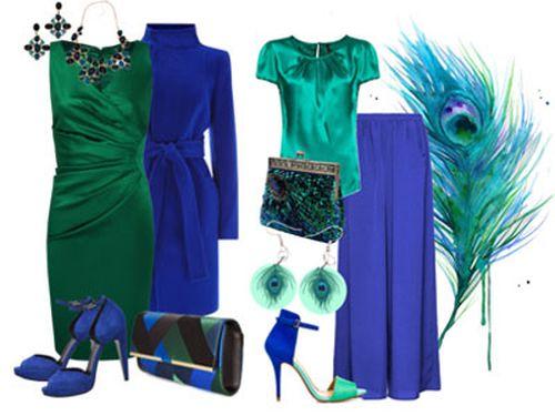 Зелёное платье с синими туфлями